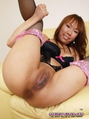 Uniform asian girl like to see pink pussy