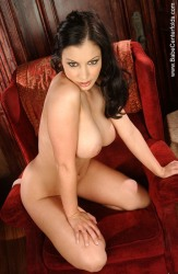 Big Breasted Topmodel Aria Giovanni
