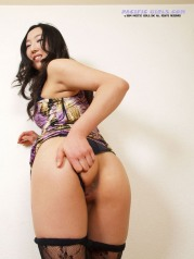 Sexy plump butt asian girl