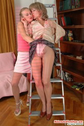 Harriet & Florence Pantyhosefucking Lovely Mature Lady