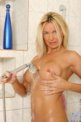 Long Haired Blonde Milf Spends Extra Time Cleaning Her Juicy Pink