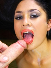 Arab Girl Gives Blowjob Gets Fucked Eats Cum