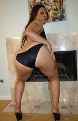 Ebony Candi Luv Showing Off Her Thick Ass