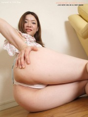 Dirty asian girl show nice vagina