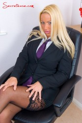 Office slut Taylor Morgan in stockings spreads her Secretary Pussy