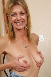 Milf Marlee From Allover30 Show Off Her Hairy Puss